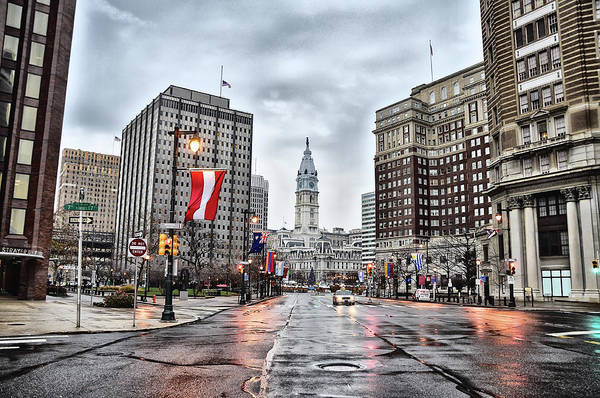 Photograph - Rainy Philadelphia - Benjamin Franklin Parkway by Bill Cannon