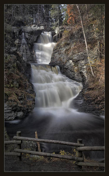 Poconos Wall Art - Photograph - Raymondskill Falls by Robert Fawcett