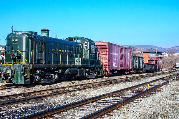Wall Art - Photograph - Reading Railroad Diesel by William Rogers