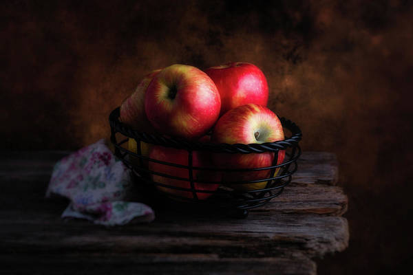 Delicious Wall Art - Photograph - Red Apples by Tom Mc Nemar