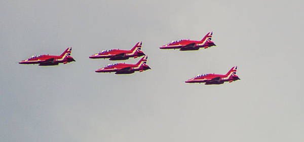 Queens Birthday Photograph - Red Arrows by Martin Newman