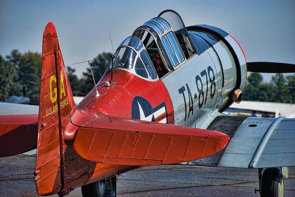 Radial Engine Photograph - Red At-6 by Steven Richardson
