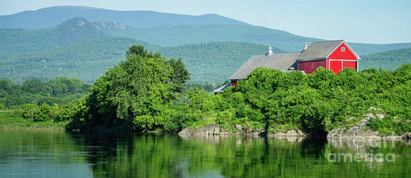 Wall Art - Photograph - Red Barn Connecticut River Mug by Edward Fielding