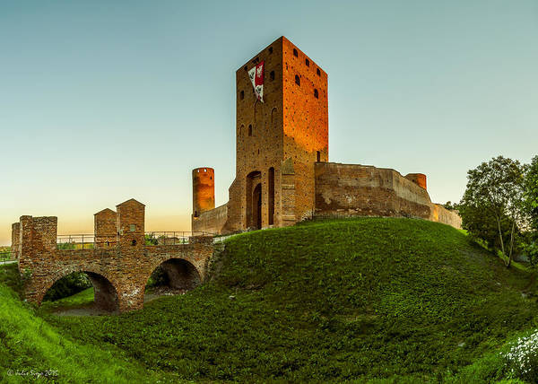 Photograph - Red Castle Of Czersk by