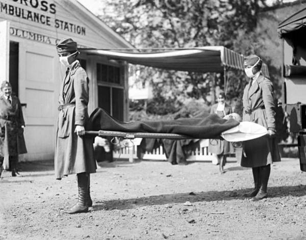 Wall Art - Photograph - Red Cross Influenza Nurses by Underwood Archives