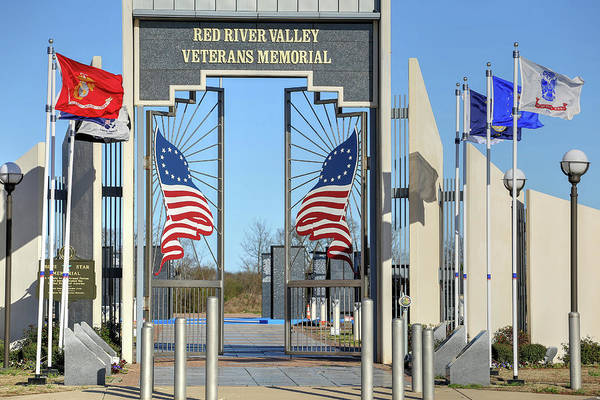 Wall Art - Photograph - Red River Valley Veterans Memorial by JC Findley