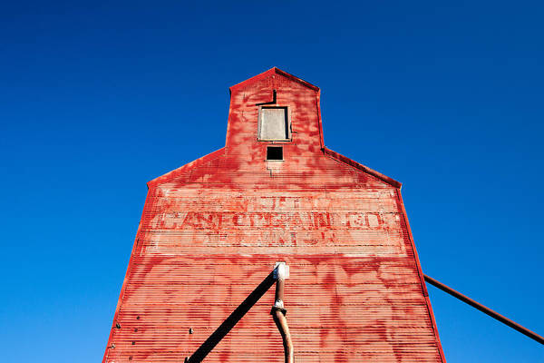 Out Of Business Wall Art - Photograph - Red Roof by Todd Klassy