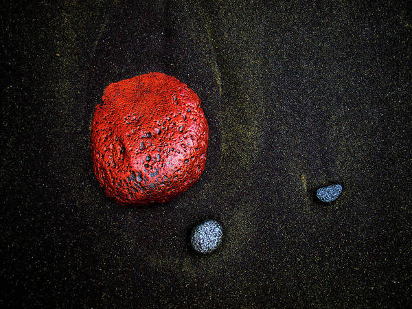 Photograph - Red Stone At Pololu Valley by Christopher Johnson
