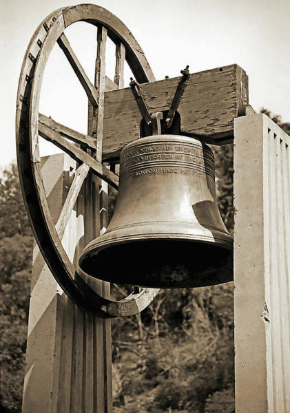 Wall Art - Photograph - Replica Of Liberty Bell 1 by Steve Ohlsen
