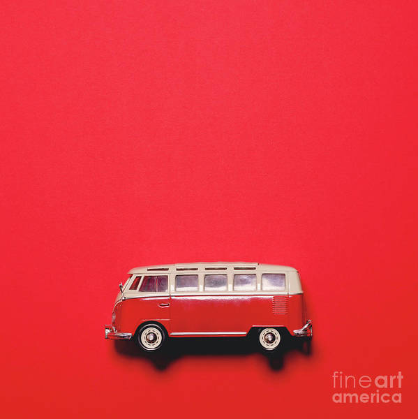 Autobus Photograph - Retro Bus On Red Background - Minimal Design  by Aleksandar Mijatovic