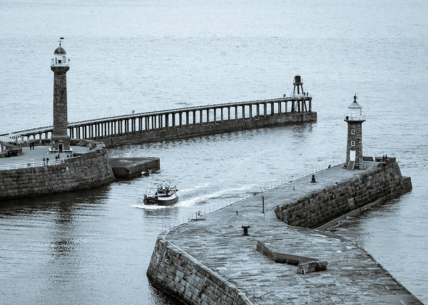 Photograph - Returning Home To Harbour by Robert Sidebottom