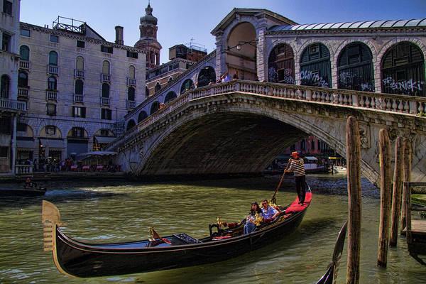 Gondola Photograph - Rialto Bridge In Venice Italy by David Smith