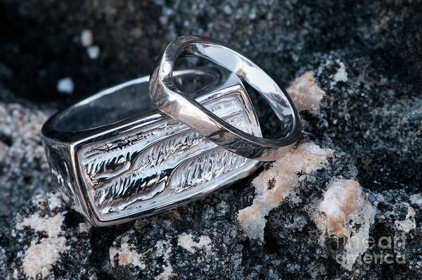 Photograph - Rings On The Rocks 01 by Rick Piper Photography