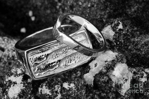 Photograph - Rings On The Rocks 02 by Rick Piper Photography