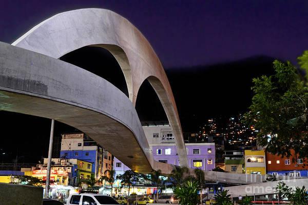 Photograph - Rio De Janeiro - Passarela Da Rocinha by Carlos Alkmin