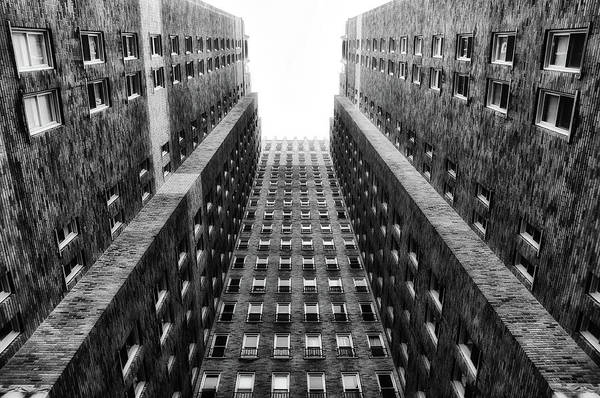 Rittenhouse Square Wall Art - Photograph - Rittenhouse Plaza In Black And White by Bill Cannon