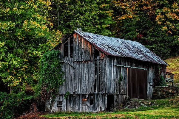 Hillside Wall Art - Photograph - Roadside Barn by Elijah Knight