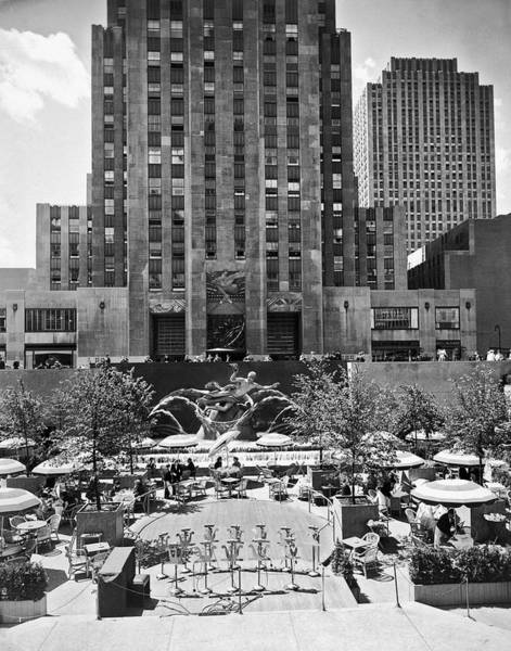Photograph - Rockefeller Center Plaza by Underwood Archives