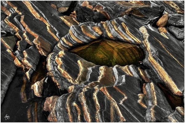 Photograph - Rockform 76 The Zebra Stone by Wayne King