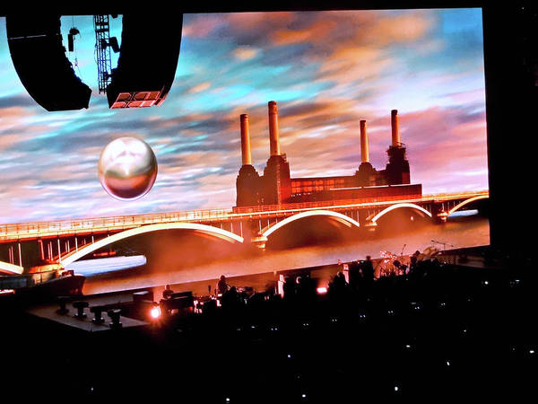 Painting - Roger Waters Tour 2017 - Welcome To The Machine by Tanya Filichkin