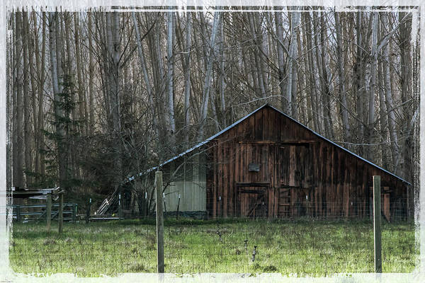 Rogue Valley Photograph - Rogue Valley Barn by Mick Anderson