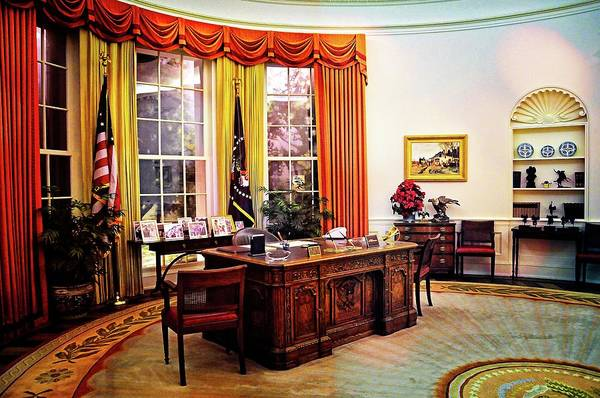 Photograph - Ronald Reagan's Oval Office by Lynn Bauer