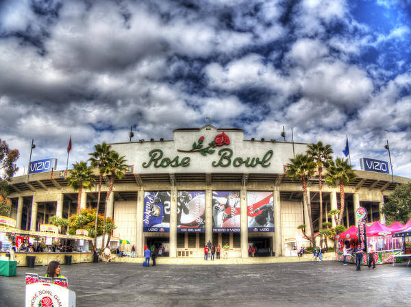 Rose Bowl Photograph - Rose Bowl Stadium by Shawn Everhart