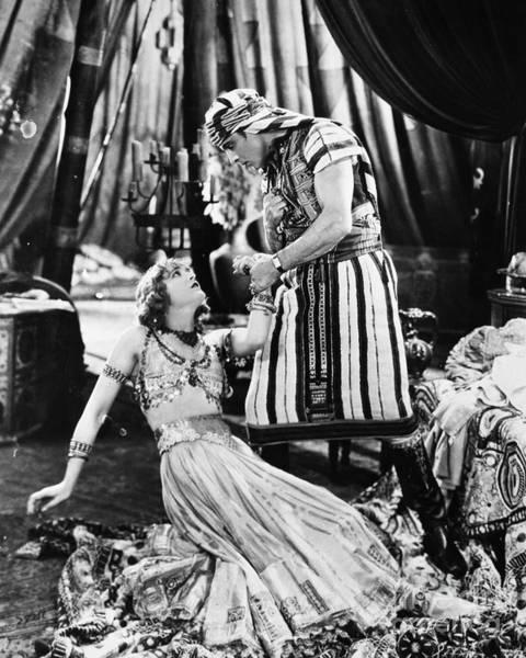 Photograph - Rudolph Valentino by Granger