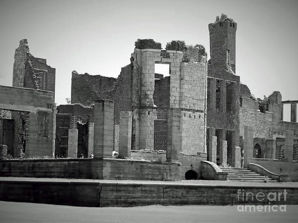 Photograph - Ruins In Black And White by D Hackett