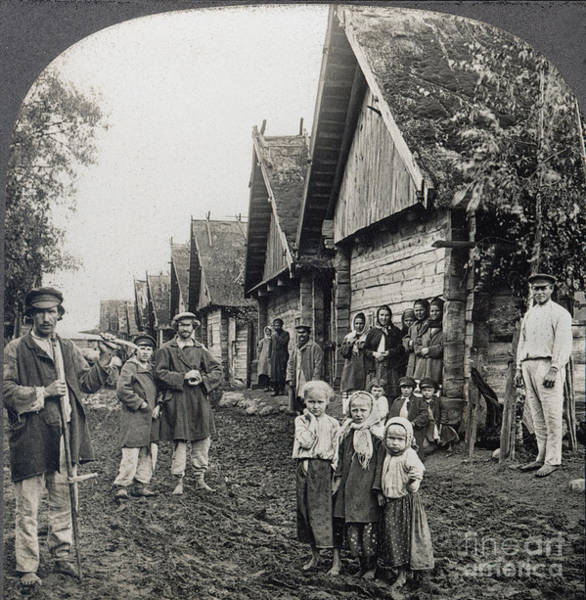 Photograph - Russia: Peasants by Granger