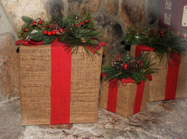 Photograph - Rustic Christmas Gifts by Cynthia Guinn