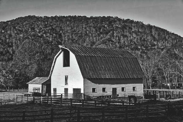 Feedlot Photograph - Rustic West Virginia Barn by L O C