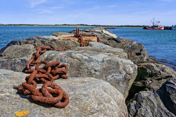 Photograph - Rusty Chain by Garvin Hunter