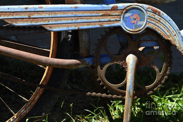 Photograph - Rusty Old Bicycle . 7d15946 by Wingsdomain Art and Photography