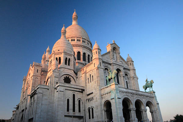 Photograph - Sacre Coeur Paris Architecture At Sunrise by Pierre Leclerc Photography