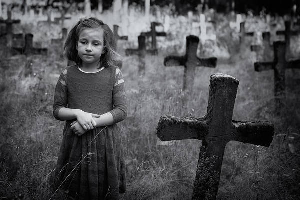 Graveyard Wall Art - Photograph - Sadness by Mirjam Delrue