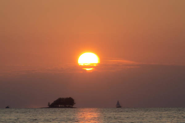 Photograph - Sailing Through The Islands At Sunset by Bill Cannon