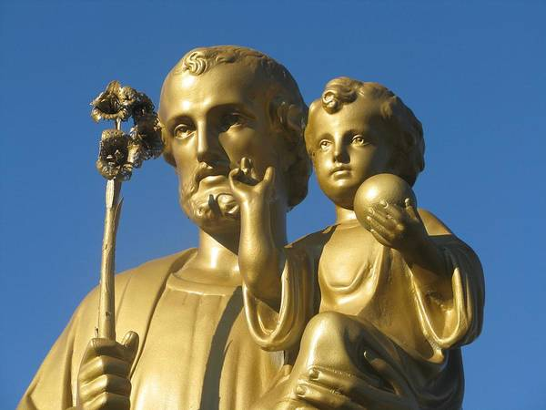 Grave Robbers Wall Art - Photograph - Saint Joseph And Child In Gold by Gennaro Lombardi