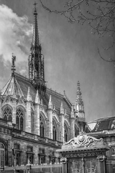Chapelle Photograph - Sainte Chapelle Paris Bw by Joan Carroll