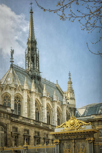 Chapelle Photograph - Sainte Chapelle Paris With Border by Joan Carroll