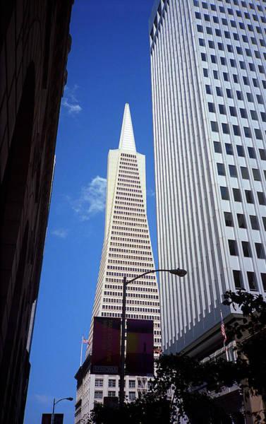Photograph - San Francisco - Transamerica Pyramid Building by Frank Romeo