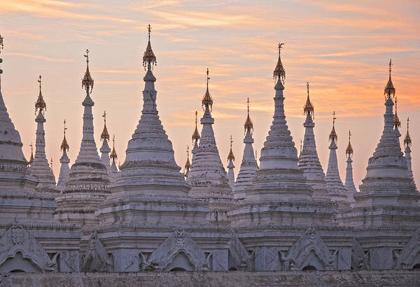 Photograph - Sandamani Pagoda by Maria Heyens