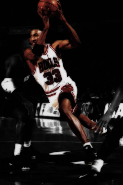 Wall Art - Mixed Media - Scottie Pippen On The Move by Brian Reaves