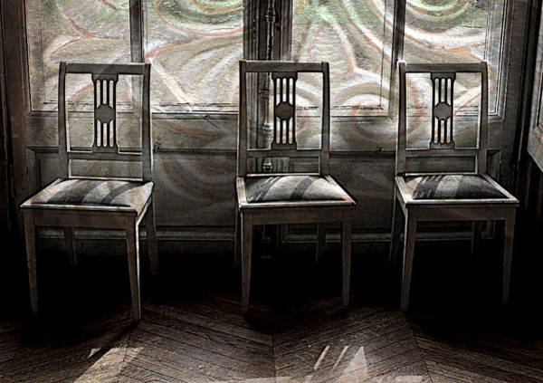 Photograph - Seating Available by Susie Weaver