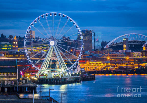 Elliott Photograph - Seattle Great Wheel by Inge Johnsson