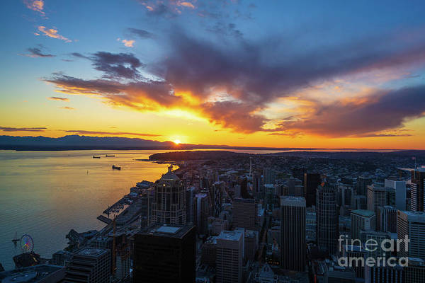 Wall Art - Photograph - Seattle Sunstar Sunset From Atop The Columbia Center by Mike Reid