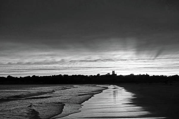 Photograph - Second Beach Newport Ri Sunrays Black And White by Toby McGuire