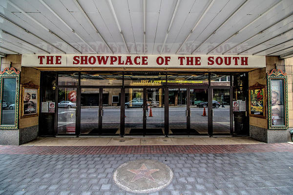 Photograph - Showplace by Mike Dunn