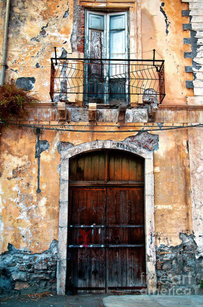 Photograph - Sicilian Facade by Silva Wischeropp