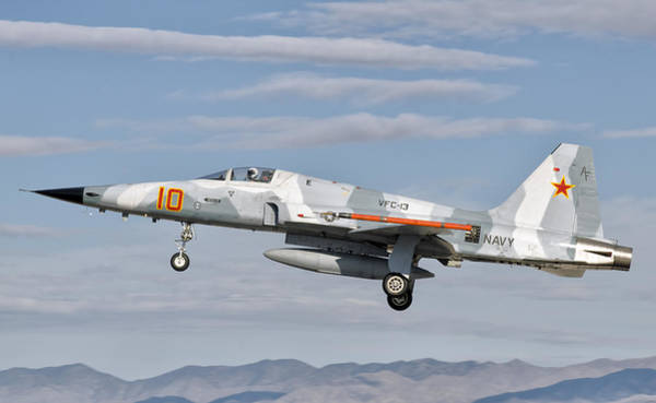 Fallon Wall Art - Photograph - Side View Of A F-5n Freedom Fighter by Giovanni Colla